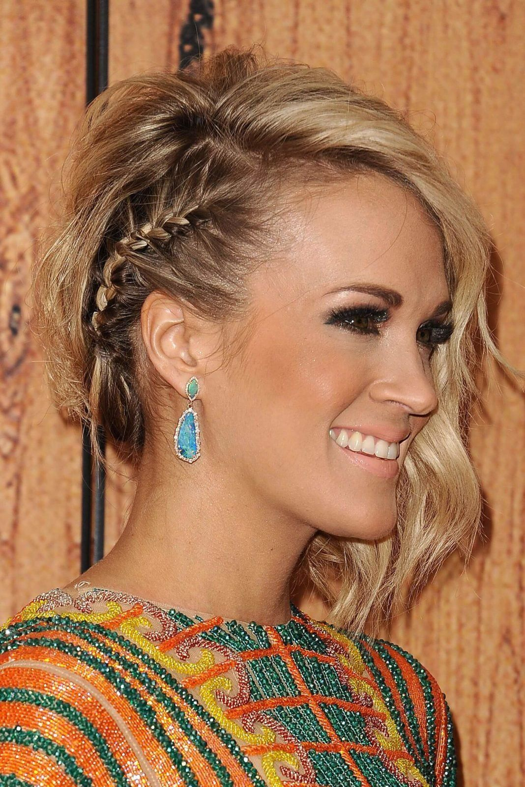 Stunning Christmas Hairstyles Don T Miss Out The Holiday Fun Fashions Eve Side Braid Hairstyles Braided Hairstyles Easy Hair Styles
