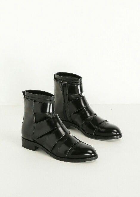 508f56c6f5f Margiela Leather Strap Pull On Boot