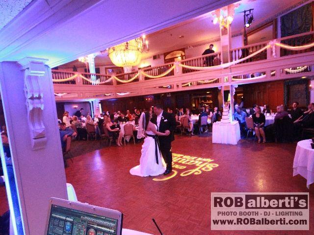 Yankee Pedlar Holyoke Ma Wedding Dj Up Lighitng Www Robalberti Com0 Img 2423 Wedding Dj Blue Wedding Inspiration Wedding