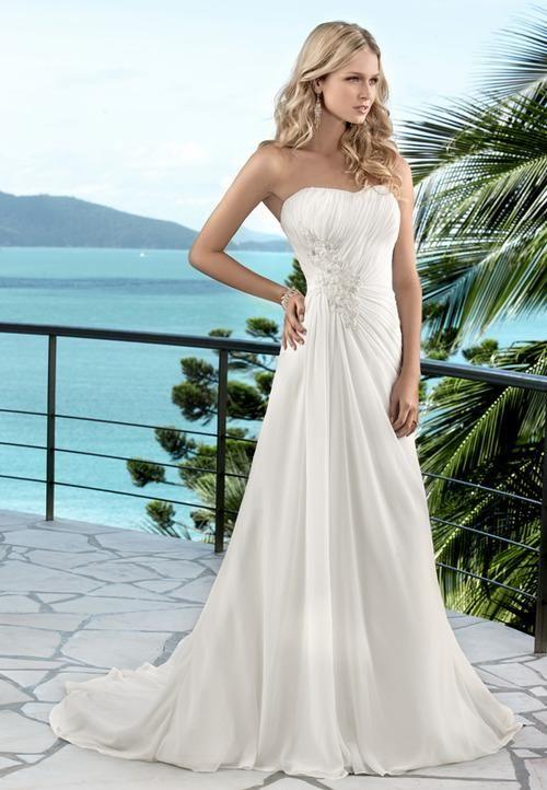 A Line Summer Wedding Dress With Strapless Sweetheart Neckline Summer Wedding Dress Wedding Dresses Destination Wedding Dress