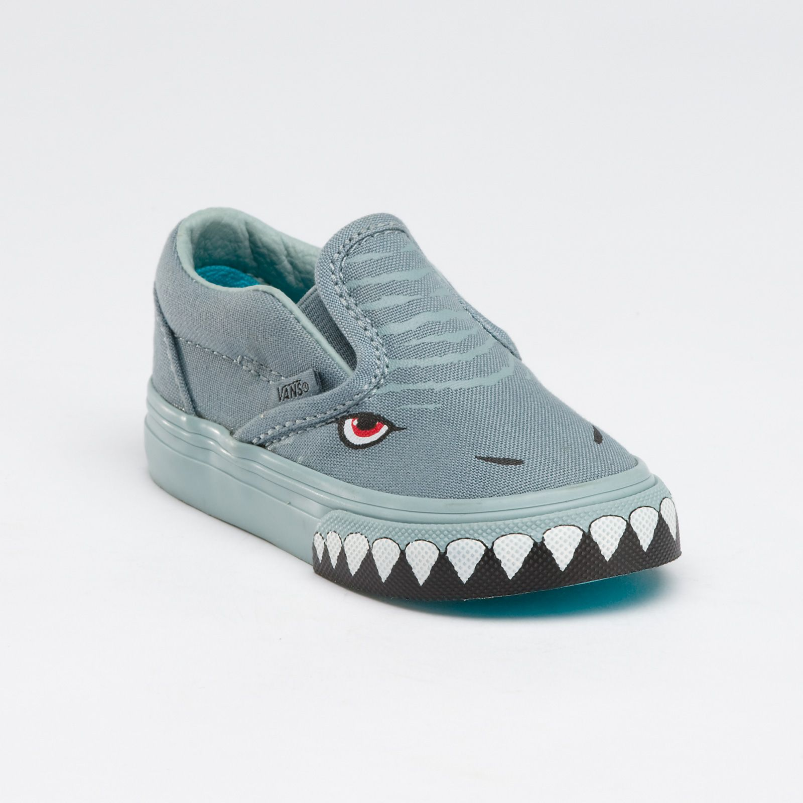 c6bdd5a4b2 Vans Shark Slip-On