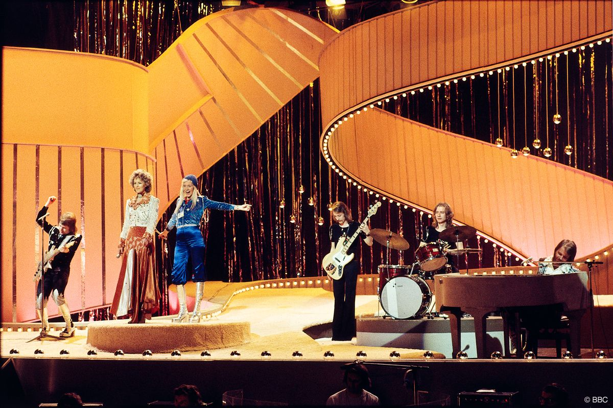 "Eurovision Song Contest 1974 - Abba - ""Waterloo"" - Sweden - 24 points - 1st  place | Abba, Eurovision song contest, Agnetha fältskog"