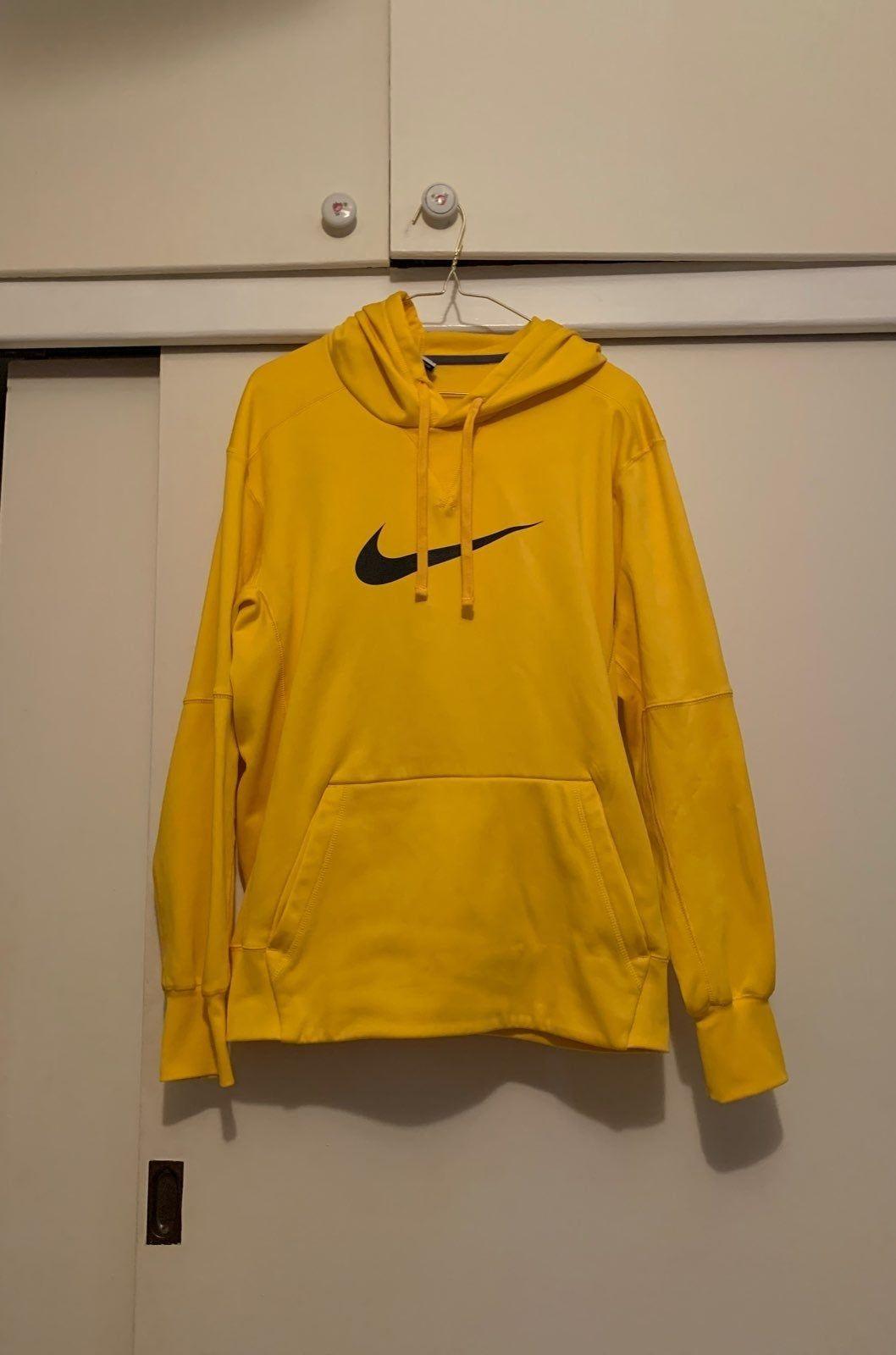 Yellow Nike Hoodie Therma Fit Size Medium Good Condition Nike Hoodie Hoodies Nike [ 1600 x 1058 Pixel ]