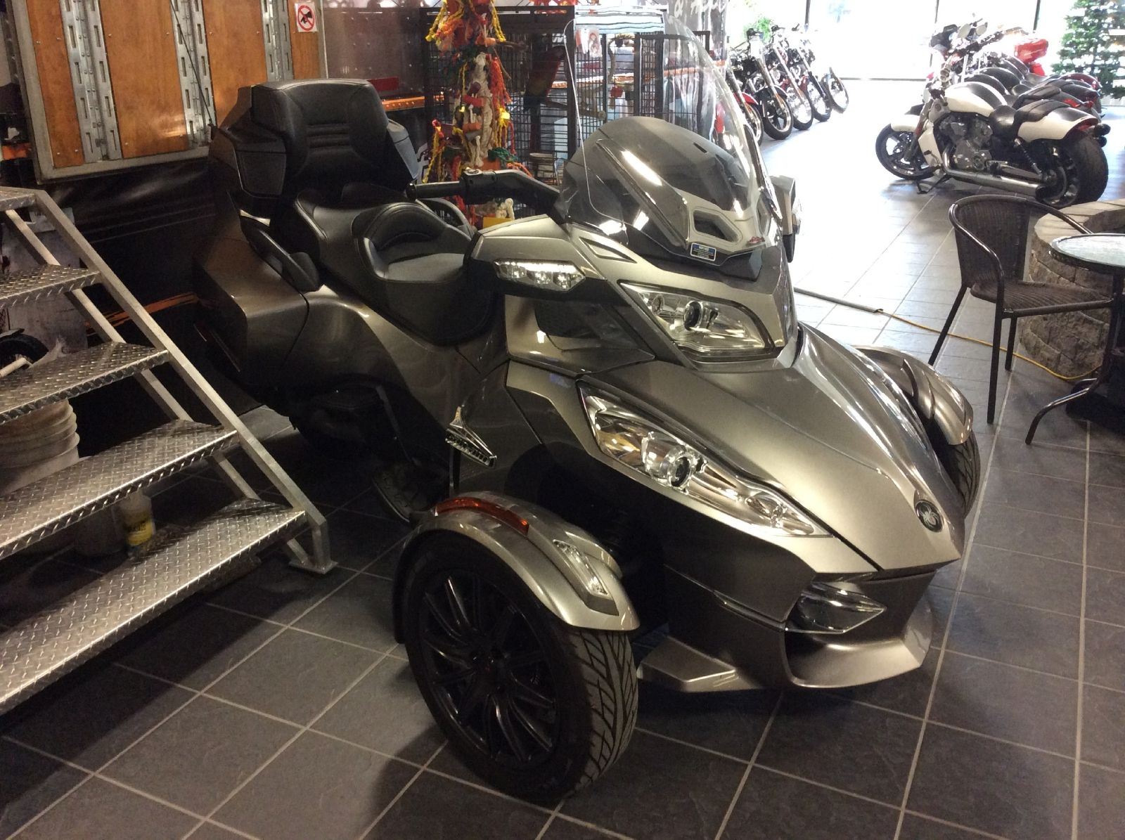 d 39 occasion 2011 can am spyder rt vendre st hyacinthe qc special car pinterest cars. Black Bedroom Furniture Sets. Home Design Ideas