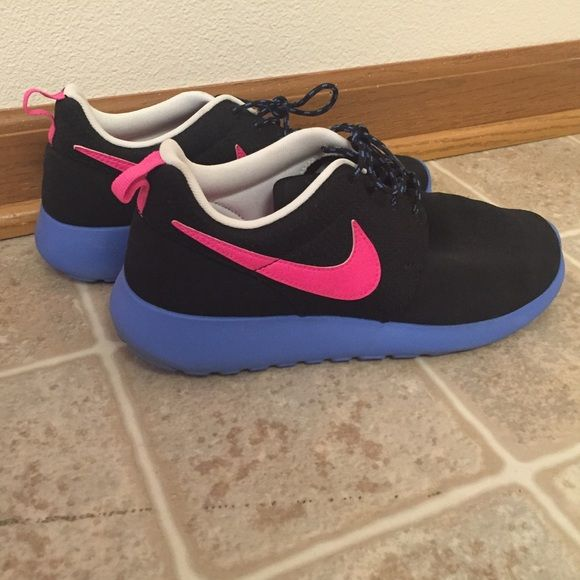 nike roshe size 6 youth