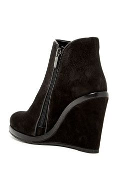 524bb8d1b3e6 Vince Camuto Jeffers Wedge Zip Bootie