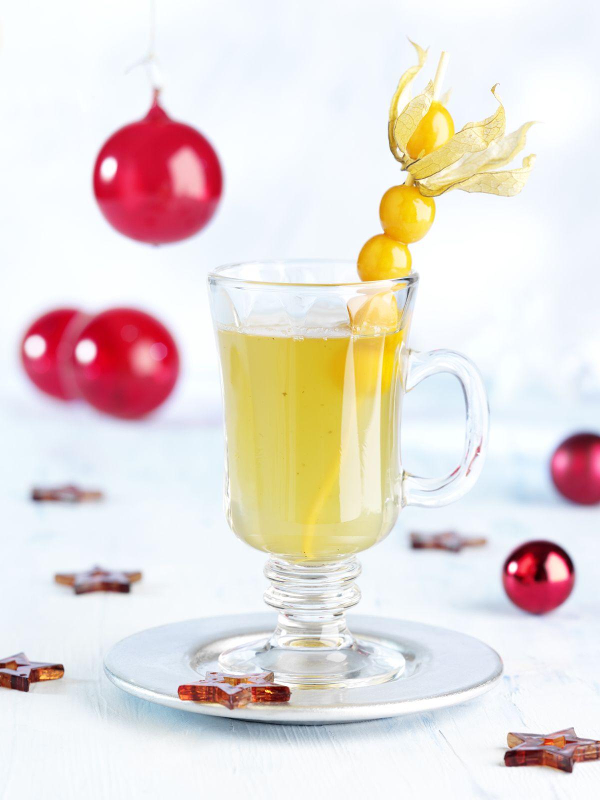 Weißwein-Punsch mit Kardamom und Vanille | Rezept | Punsch, Vanille ...