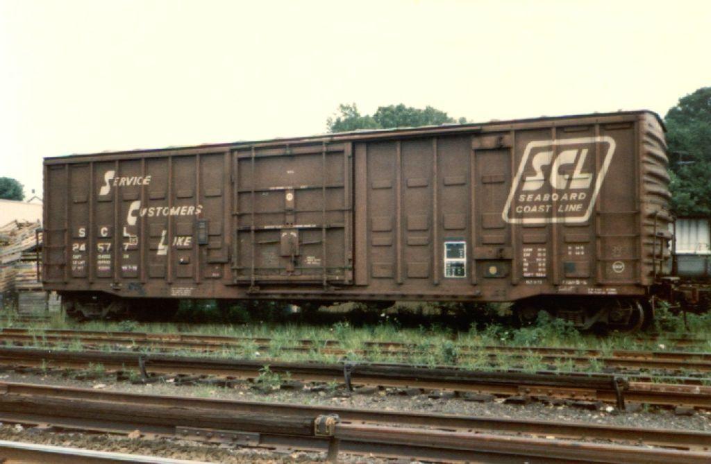 Seaboard Coast Line boxcar Old trains, Box car, Train tracks