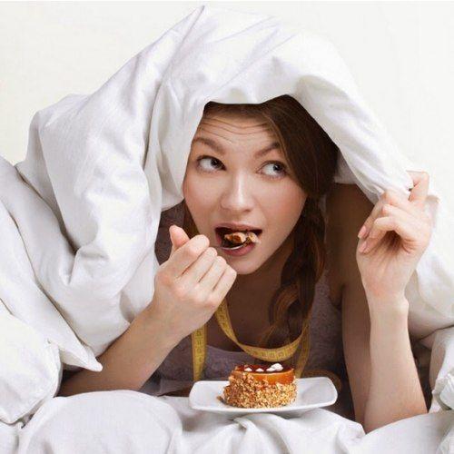 5 نصائح بسيطة تمكنك من خسارة الوزن أثناء نومك  تودين انقاص وزن جسمك ؟ اذن يجب أن تعلمي أن من الضروري أن لا تهملي أيا من الوجبات الغذائية حتى لاتتسببي في عرقلة عملية التمثيل الغذائي الأيض، حاولي أيضاً أن تتناولي وجبة العشاء في وقت مبكر حتى لا تتم عملية الهضم أثناء نومك.         علينا أن...  http://hayatouki.com/diet/content/2270705-5-%D9%86%D8%B5%D8%A7%D8%A6%D8%AD-%D8%A8%D8%B3%D9%8A%D8%B7%D8%A9-%D8%AA%D9%85%D9%83%D9%86%D9%83-%D9%85%D9%86-%D8%AE%D8%B3%D8%A7%D8%B1%D8%A9-%D8%A7%D9%84%..