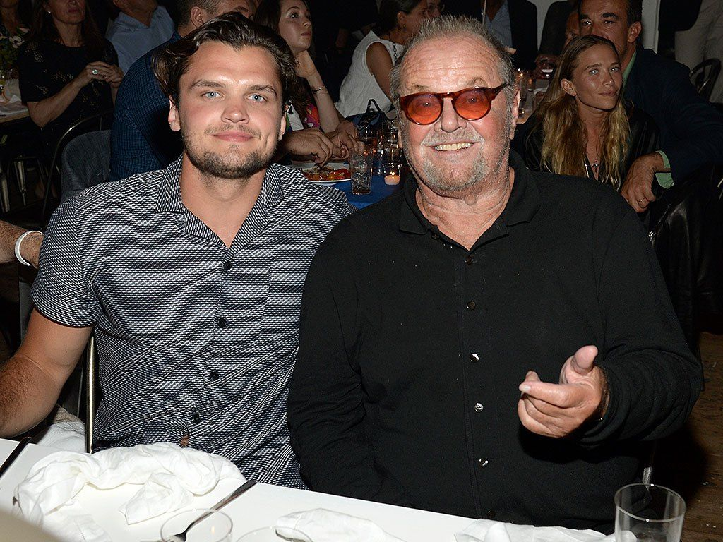 Jack Nicholson S Son Ray Nicholson Looks Like His Twin Photo Celebrity Dads Jack Nicholson Celebrity Kids By signing up, i agree to the terms & to receive emails from popsugar. jack nicholson s son ray nicholson