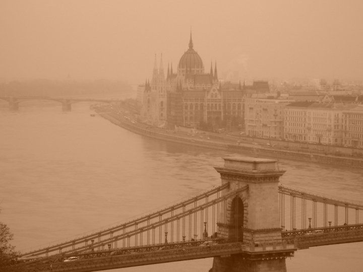 Budapest: Danubio & Parliament