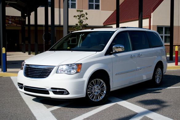 Pin By Jessica Brown On Sexii Cars Chrysler Town Country