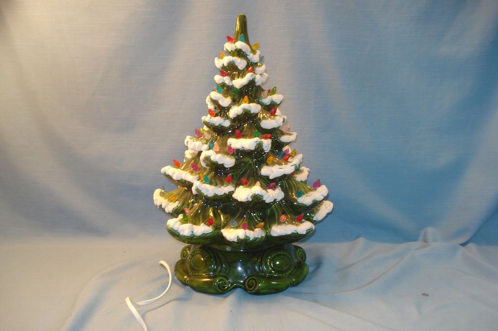 VINTAGE CERAMIC #CHRISTMAS #TREE LIGHTED DECORATED #FROSTED SNOW