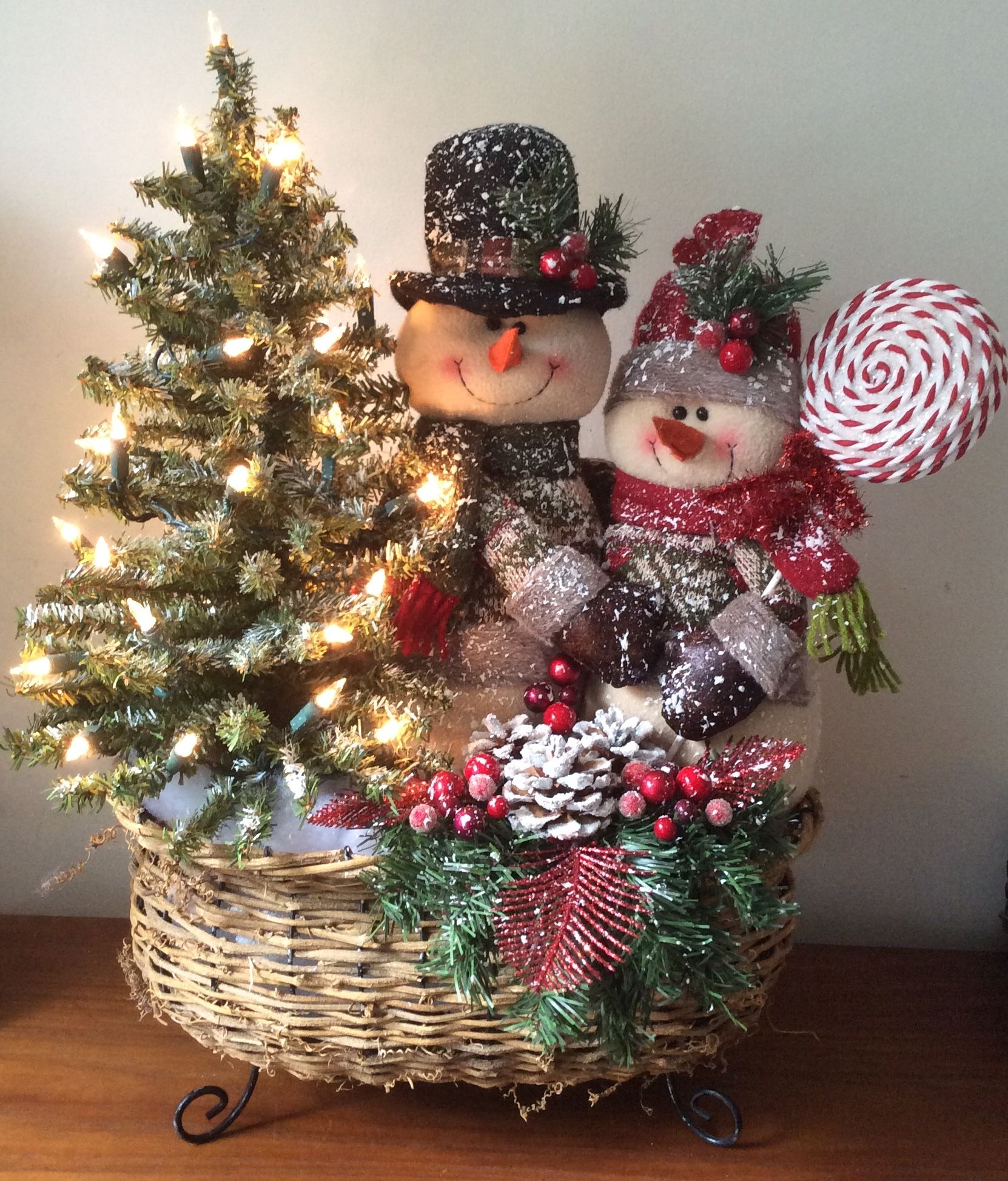 Mr Mrs Frost 46 Sold Diy Christmas Decorations Easy Christmas Centerpieces Diy Christmas Arrangements