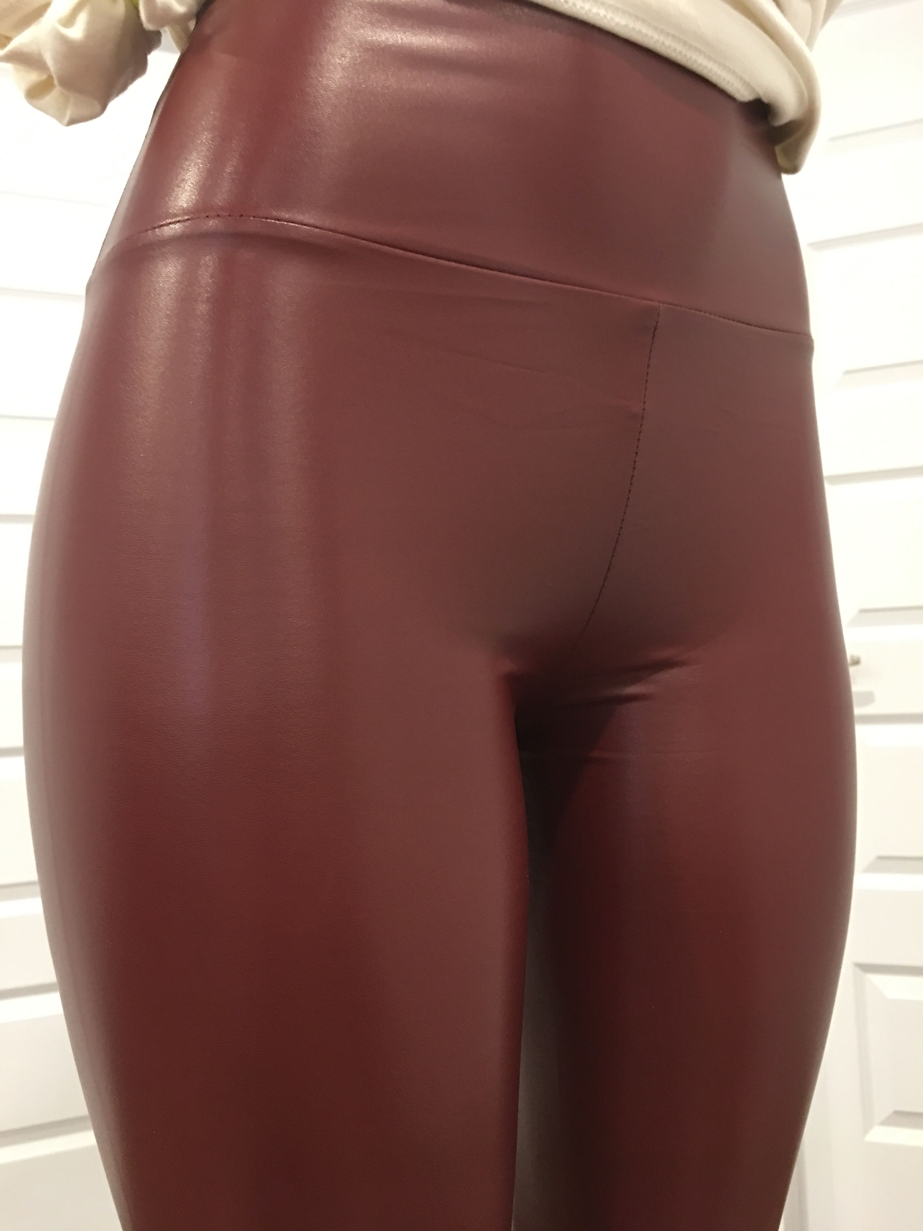Pin On Leather Leggings Outfit