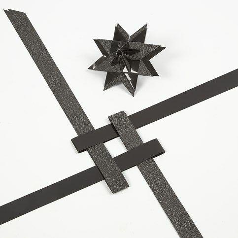 Ein Stern in Pyramidenform aus Papierstreifen  DIY Anleitung