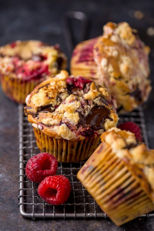 Photo of Dark Chocolate Chunk Raspberry Crumb Muffins – Baker by Nature