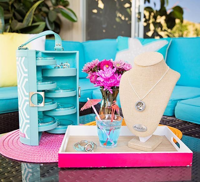 How to throw an epic pool party: Have a Mobile Jewelry Bar