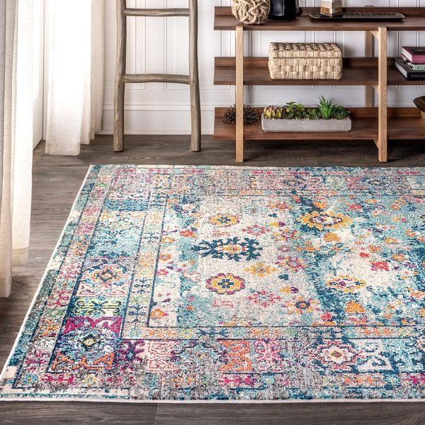 Style your floors with JONATHAN Y. By combining fine craftsmanship and design, this New York creative studio is bringing fashion to your floors. The collection mixes sustainable organic materials, vibrant colors and trend worthy styles to create JONATHAN Y's distinctive catalog of rugs.