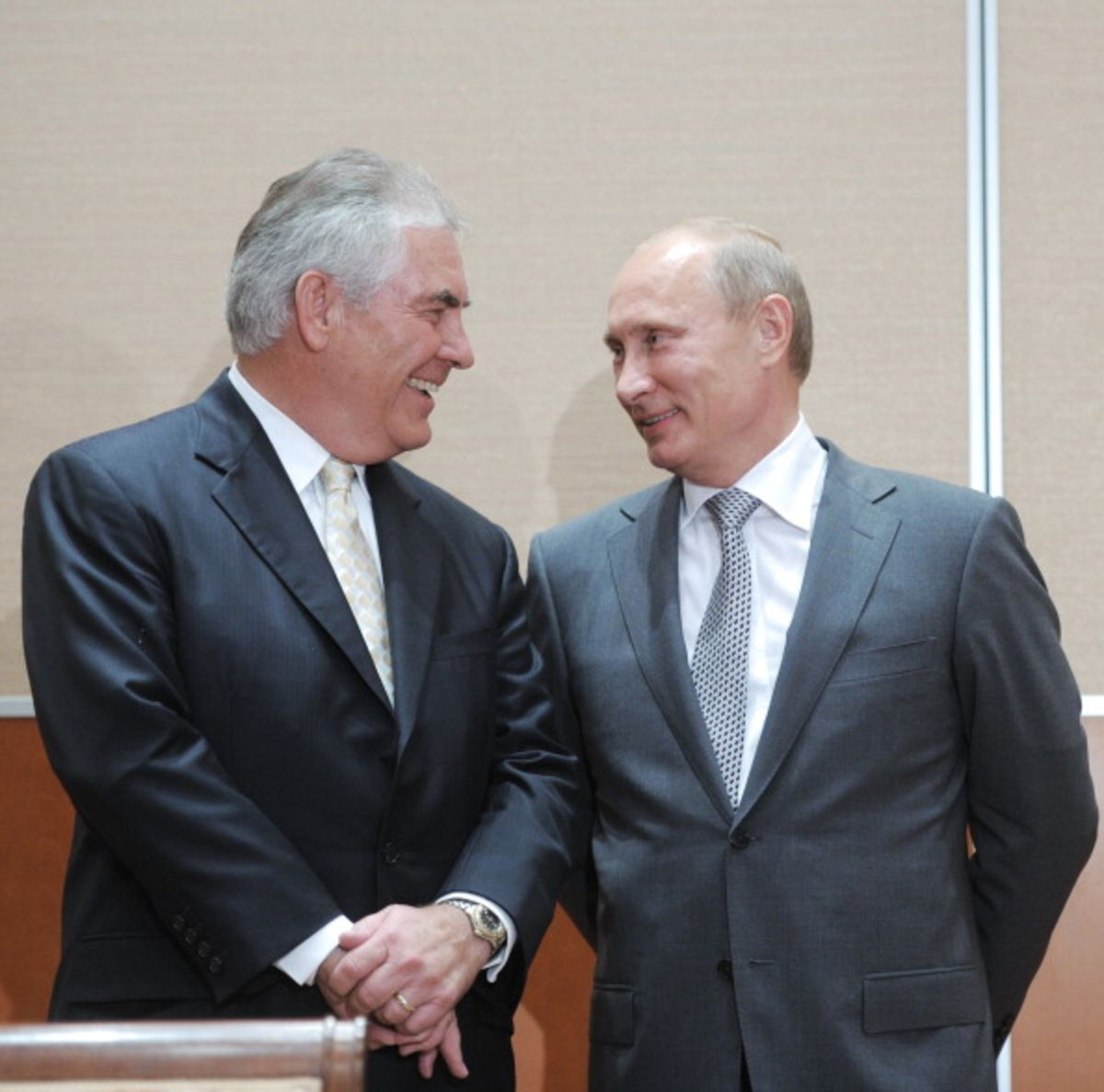 Exxon CEO Has the Skills for a Better Russia Policy - Bloomberg