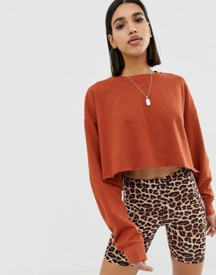 852af41f7daa DESIGN oversized boxy crop sweatshirt in tobacco in 2019 | BUY ...