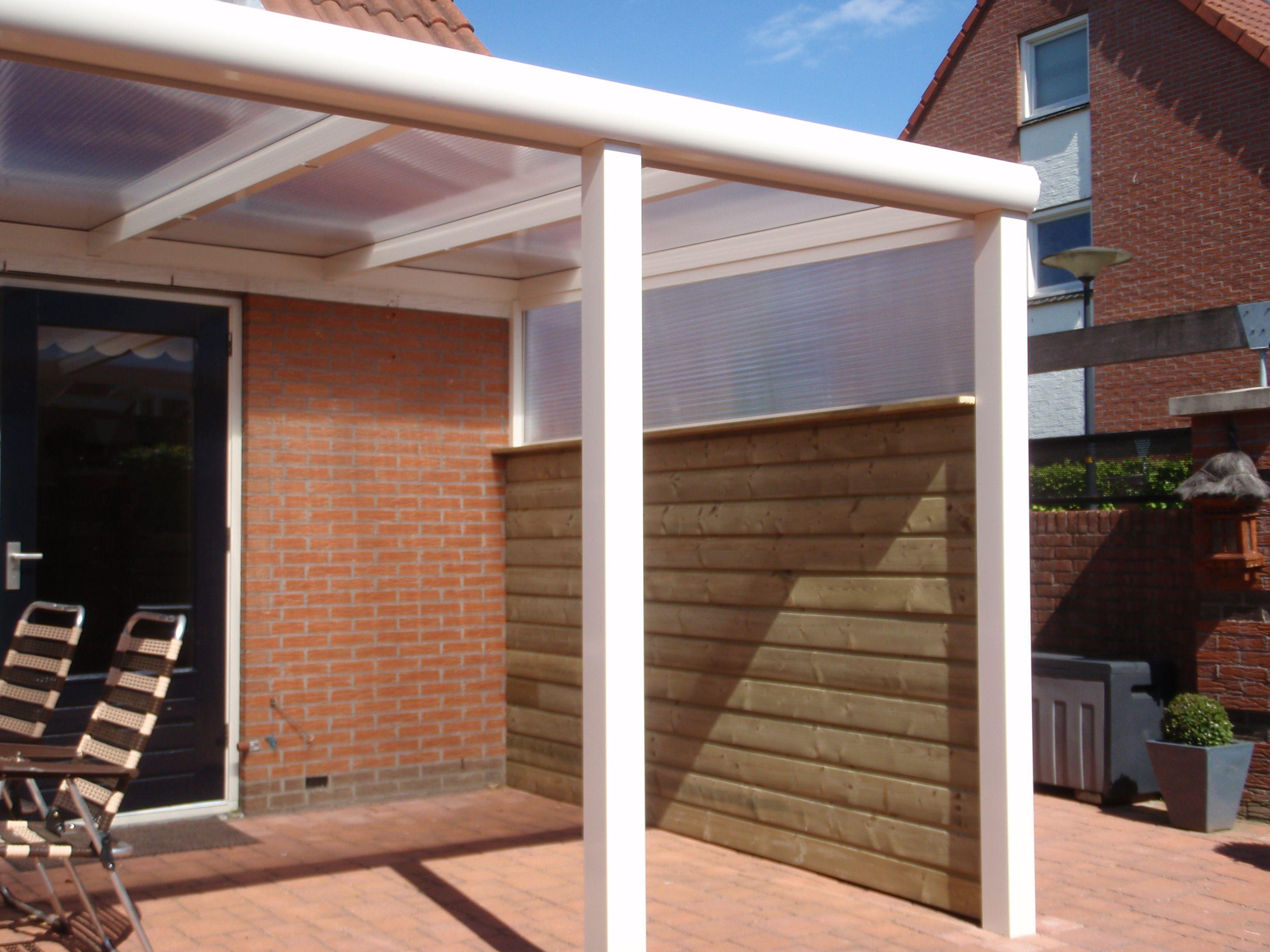 Veranda terrasoverkapping gemaakt van aluminium geeft sfeer in de tuin modern of klassiek - Buiten terras model ...