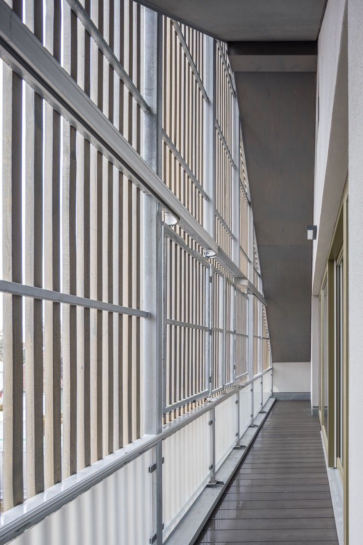 Balkon Wohn Und Geschaftshaus Pelkovenstrasse Munchen Wohnen