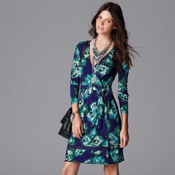 56dbc15e6ef Summer Sale!! Vera Wang Wrap Dress!