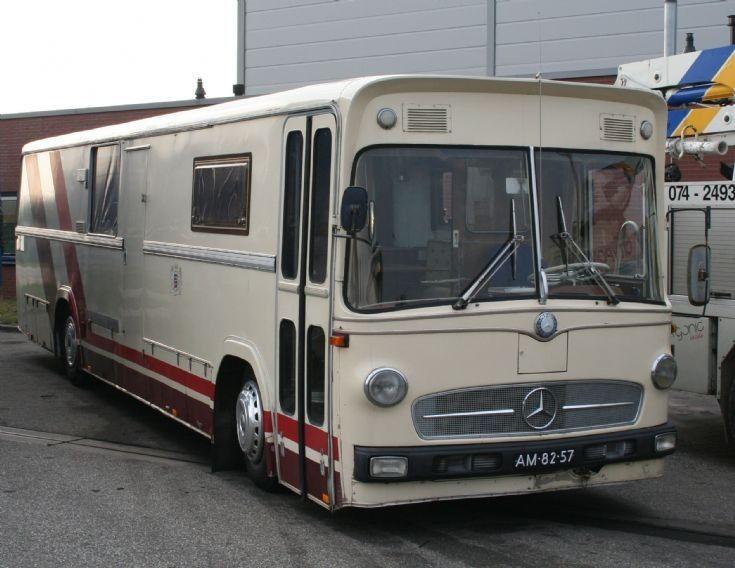 Mercedes benz 0317 coach conversion camper caravan 39 s for Mercedes benz rv camper
