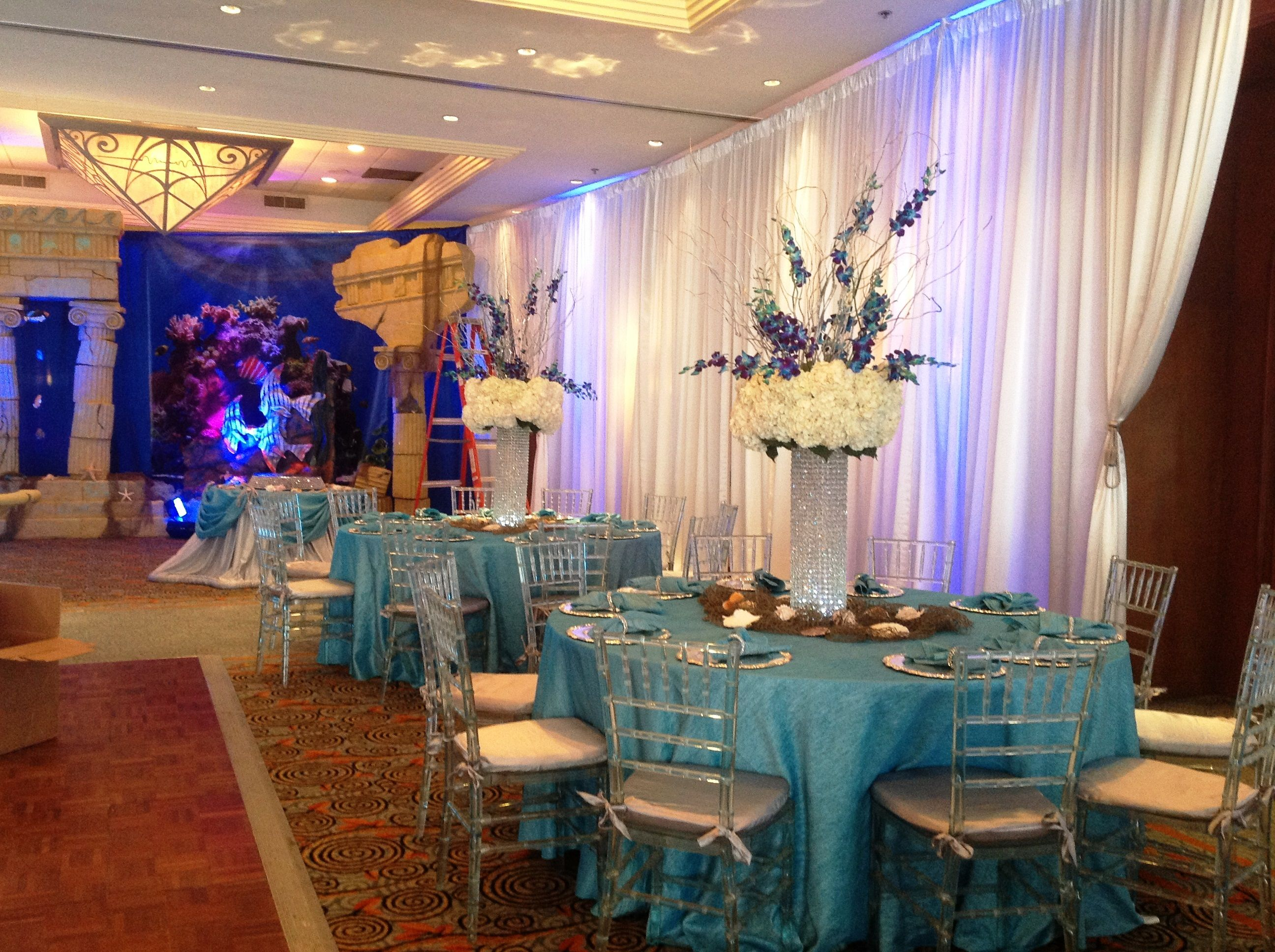 Beautiful posiedon under the sea quinces theme honestly for Decoration theme jardin