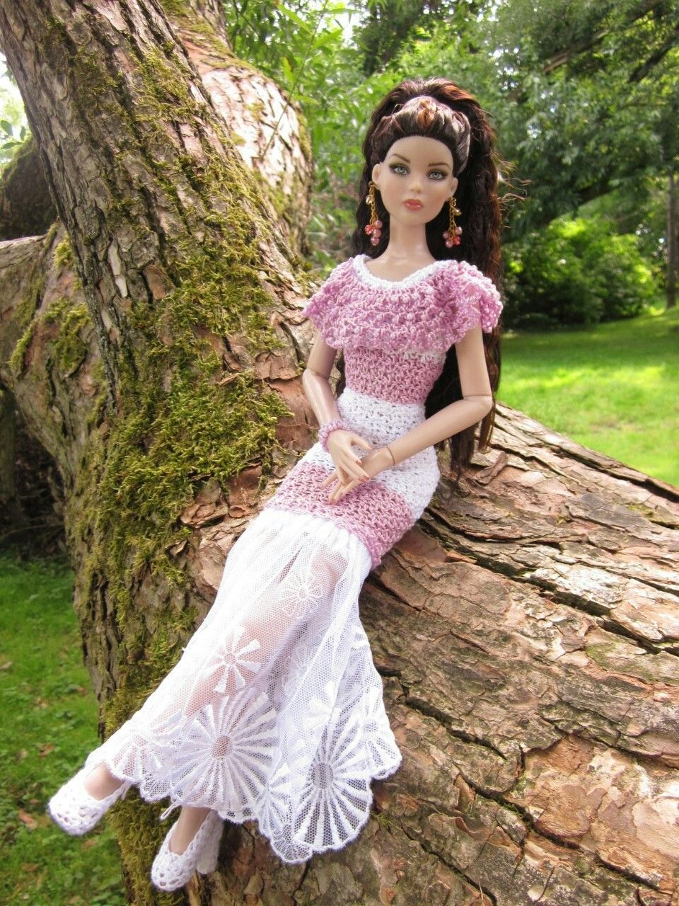 Crochet doll dress with lace | barbie | Pinterest | Puppenkleider ...
