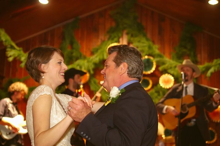 Father and daughter wedding dance | fabmood.com #wedding