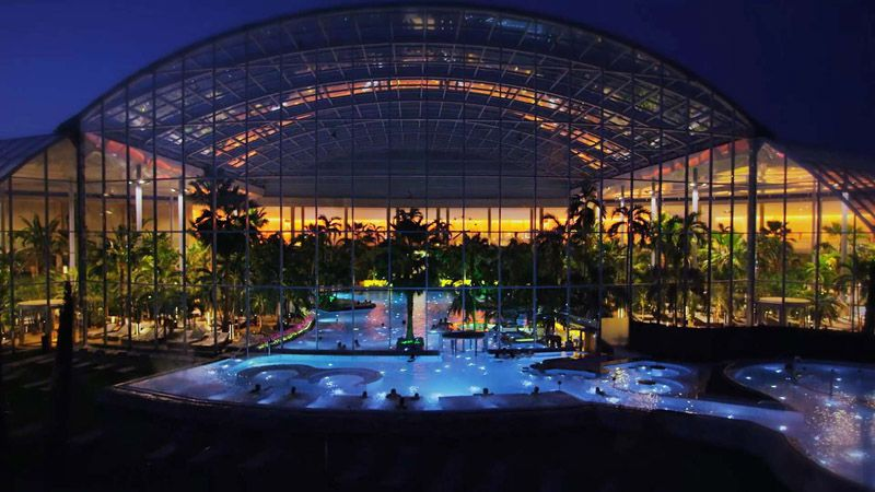 Therme Bucharest Romania The Largest Thermal Wellness Center In