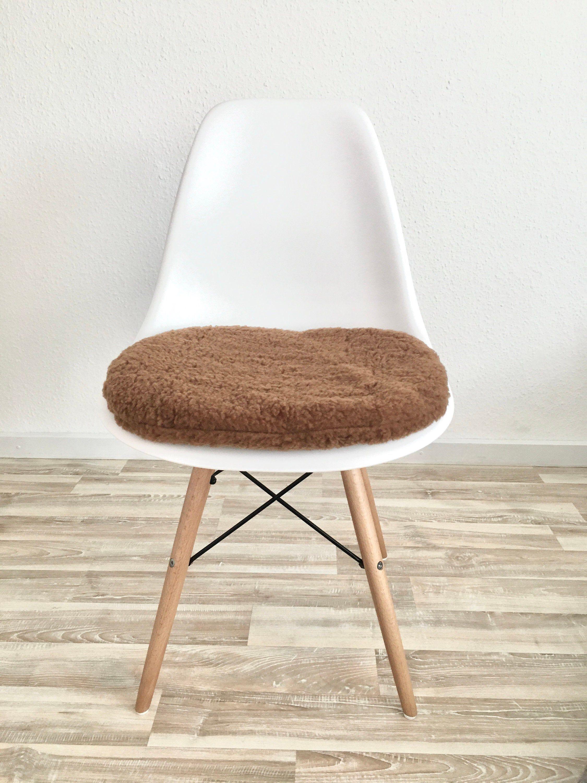 Eames Stuhlkissen In Braun Teddyplüsch Plüsch Braun Sitzkissen Rund Eames Chair Eames Seat Cushions