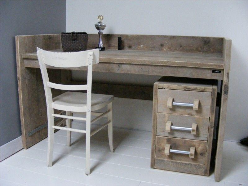 Bureau tafel oud steigerhout met opstaande rand (22131431)   Steigerhout   Pinterest   Bureaus