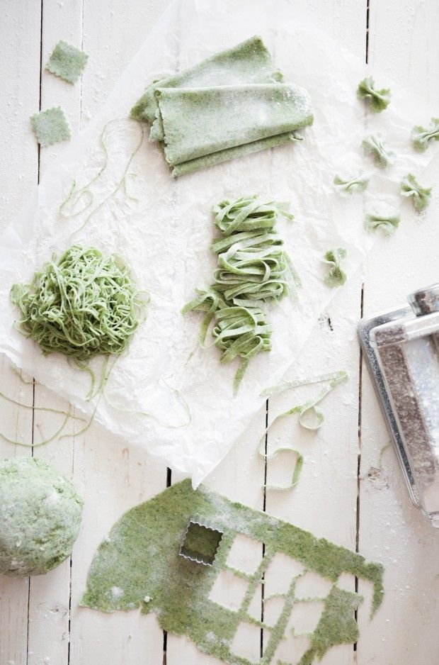 Homemade Spinach Pasta - My dad just gave me an authentic Italian pasta cutter!  I have to make this :D