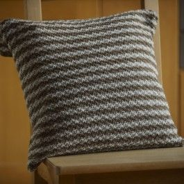 Moss+or+seed+stitch+cushion+$0.00