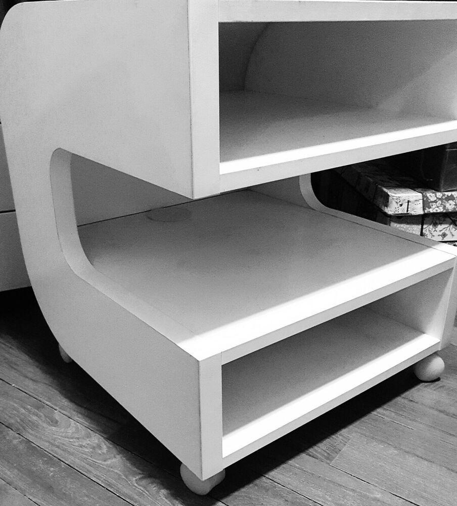 Cassettiere Ikea Con Ruote.Mobile Porta Tv Ikea Con Ruote Bianco Stondato E Compatto 50x50x50