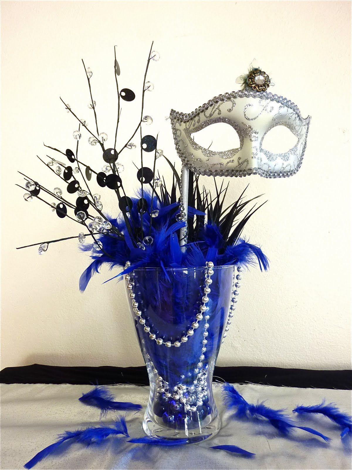 Simple Masquerade Centerpiece Idea