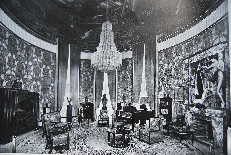 The 1925 paris exposition ruhlmann 39 s grand salon was for Salon exposition paris