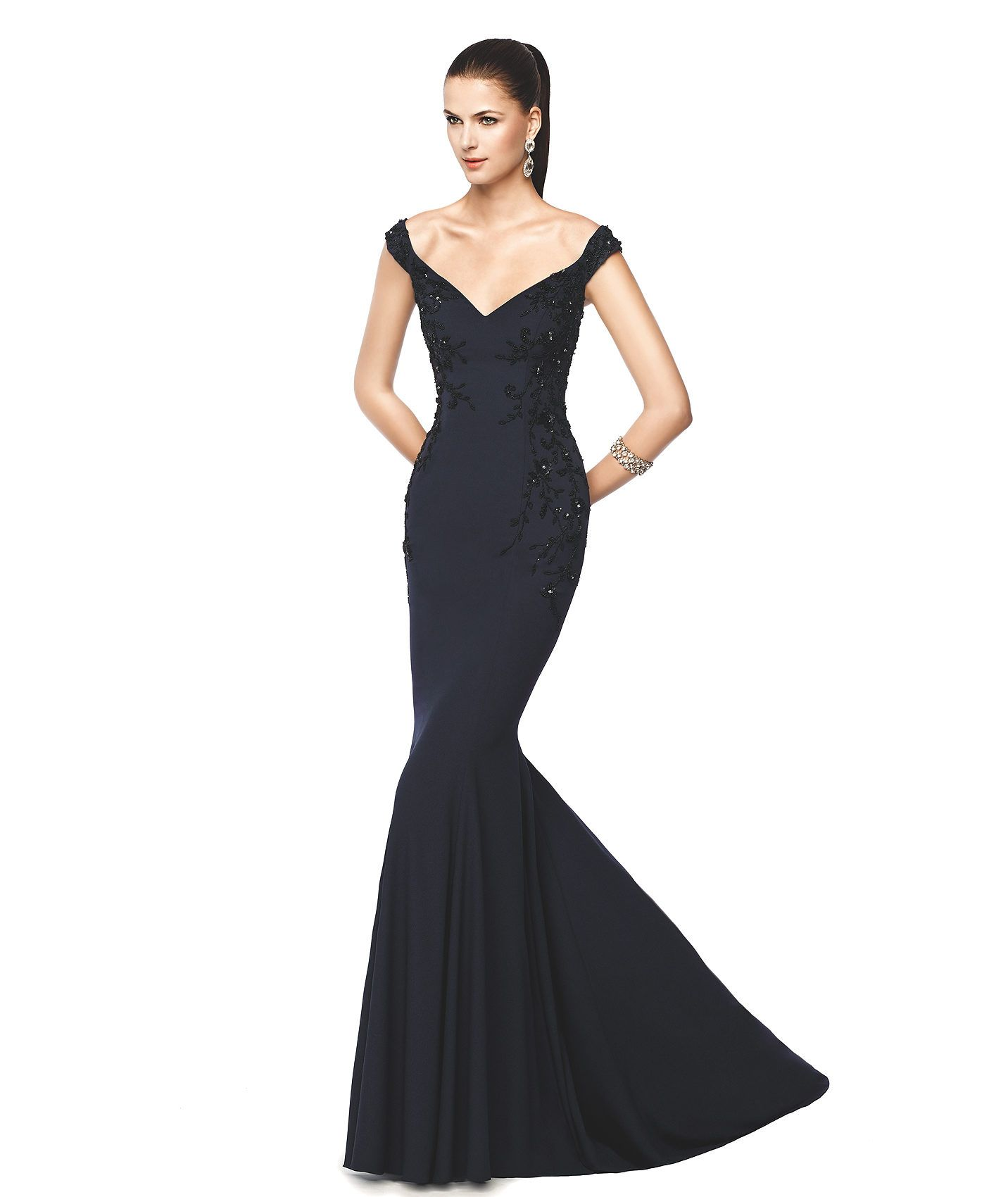 NELVA - Vestido de fiesta negro corte sirena. Pronovias 2015 ...