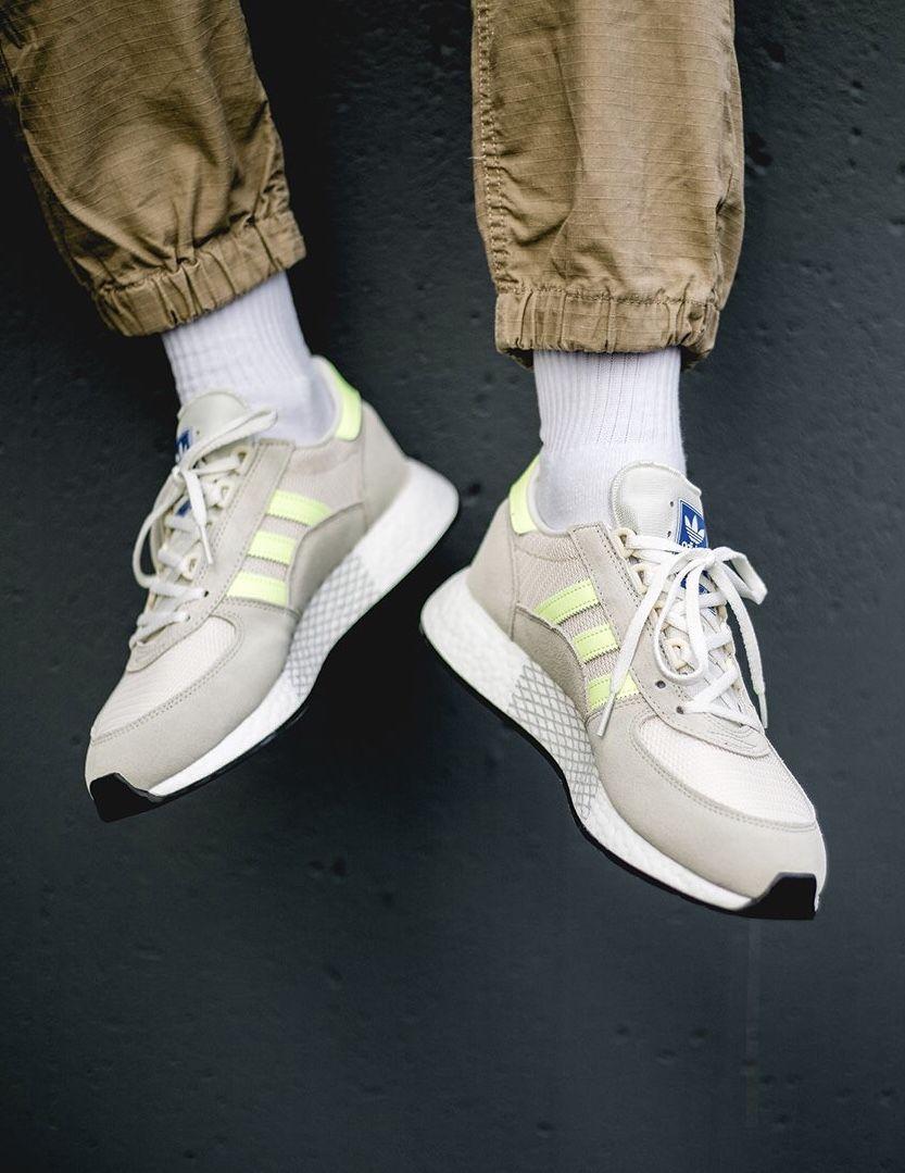 7da00e929af09 adidas Originals Marathon Tech