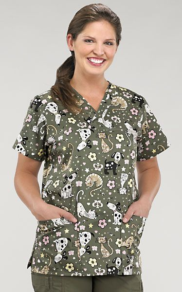 67866c99941 Dog and Cat Scrub Top   Fashion   Vet scrubs, Vet tech scrubs ...