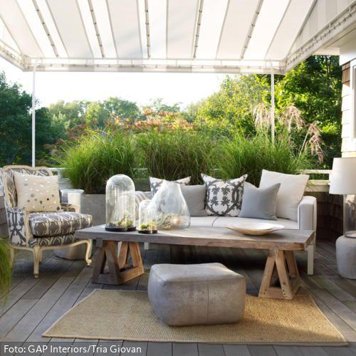 Klassische Polstermöbel auf dem Balkon | roomido.com | garden ...