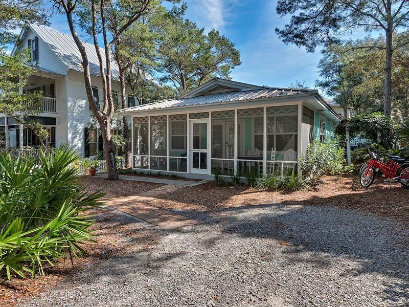 Rent This 3 Bedroom House Rental In Santa Rosa Beach For 207 Night Has Private Outdoor Pool Unh Florida Rentals Beach Condo Rentals Santa Rosa Beach Florida