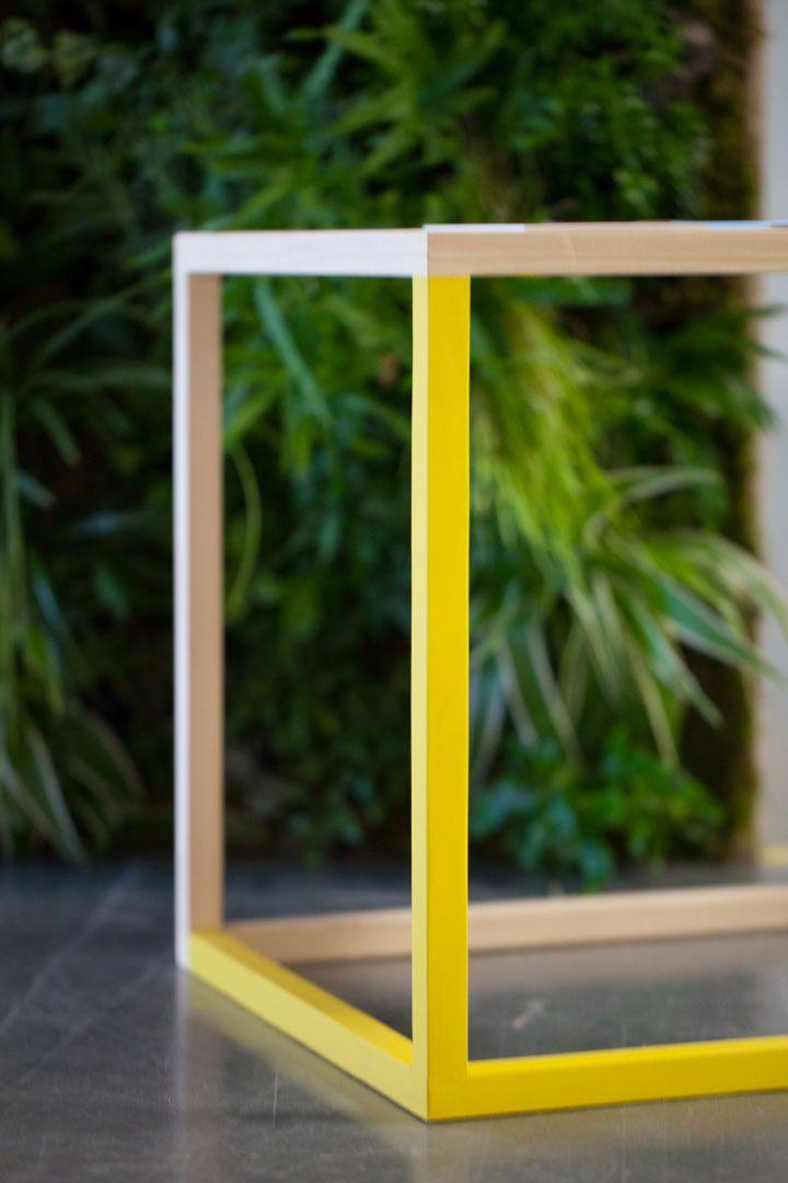 Hekla Exhibition Stand 18h39 Une Idee Castorama Bois Jaune Stand Design Cube Table Basse 18h39 Tendance Deco Interieur Design
