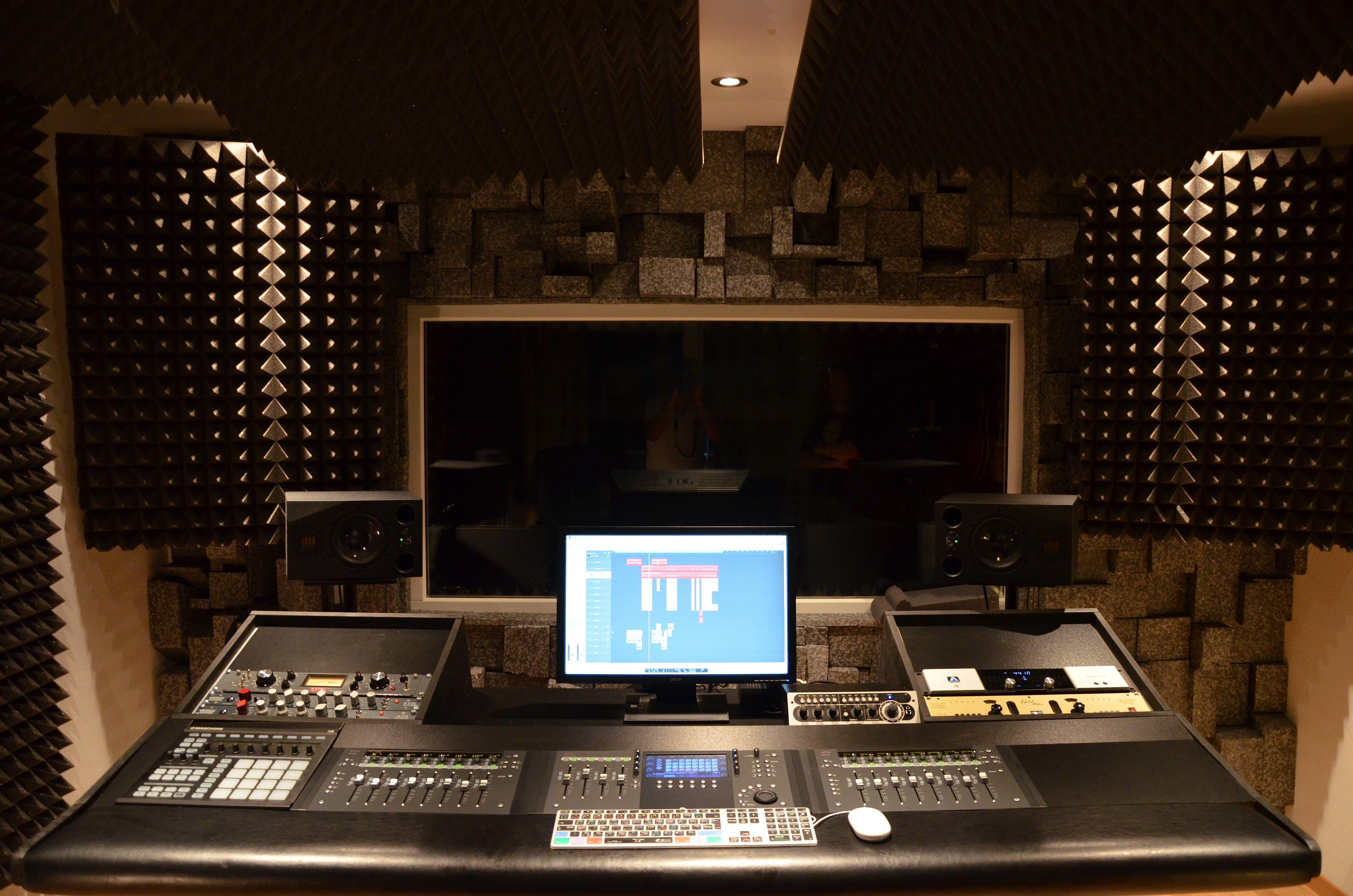 d finally building my new studio desk dsc 1168