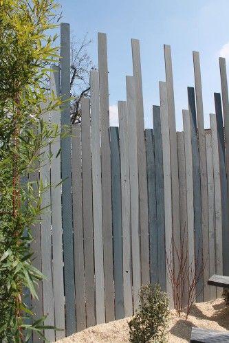 construire une cl ture pour se cacher du regard des voisins pour un peu d 39 intimit au jardin est. Black Bedroom Furniture Sets. Home Design Ideas