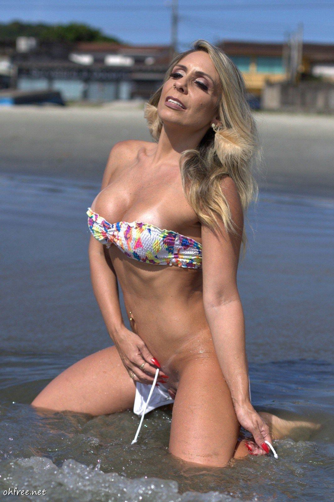 Topless Gabriela Bayerlein  nude (64 photo), Snapchat, underwear