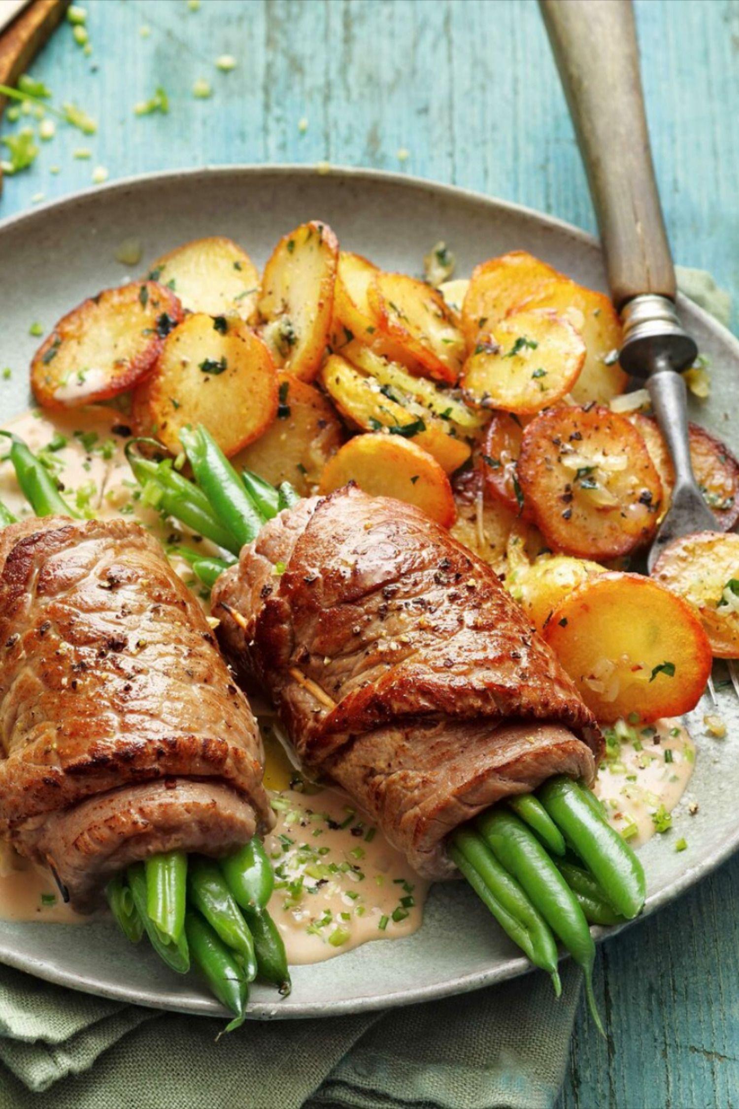 Zarte Steakroulade mit Bratkartoffeln